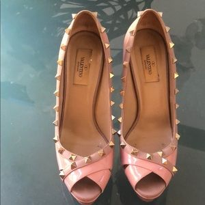 Valentino Garavani studs pink blush pump Eu 39